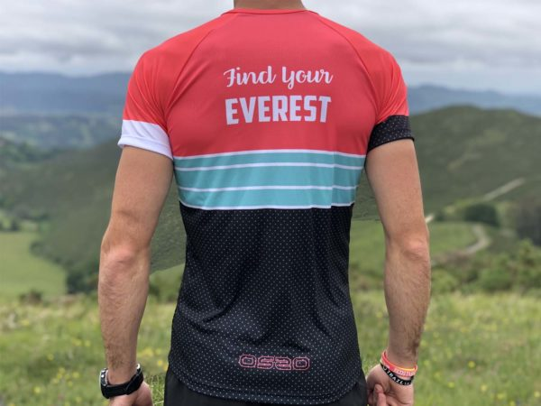 Camiseta Técnica Find Your Everest Roja.