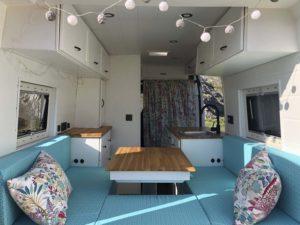 Sofá-cama de nuestra furgoneta camper